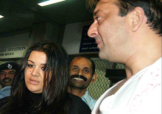 sanjay dutt doesn t want daughter to join bollywood