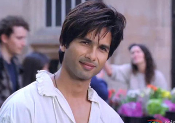 shahid kapoor opts out of yrf film