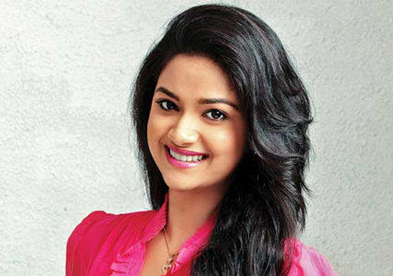 southern actress keerthi inclined towards designing