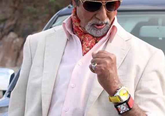 Why The Bachchans Wear 2 Watches | Bollywood News – India TV