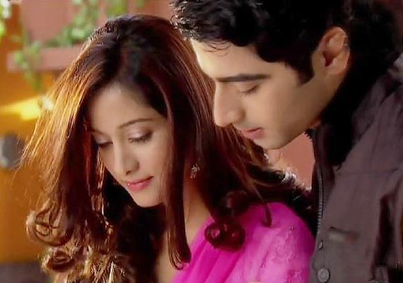 Beintehaa: Zain - Aaliya on date | Bollywood News – India TV