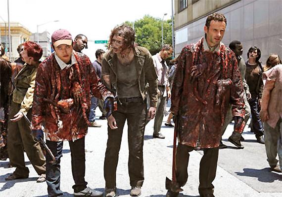 bleeding andrew lincoln make goriest scene of the walking