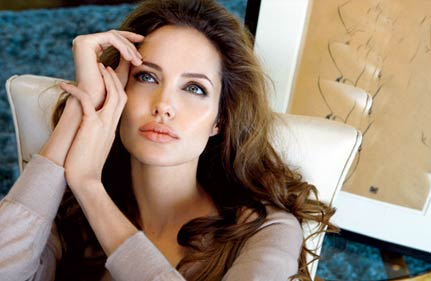 angelina directs a film on bosnia