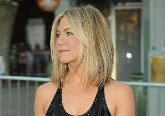 Jennifer Aniston Cuts Her Hair Short Hollywood News India Tv