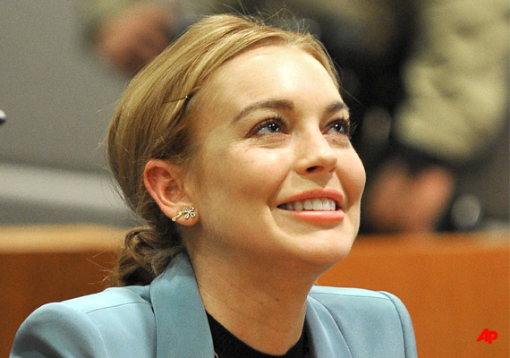 lohan gets freedom probation ends