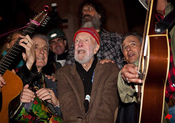 pete seeger and pals attend nyc protest action