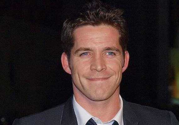 sean maguire to play robin hood on tv