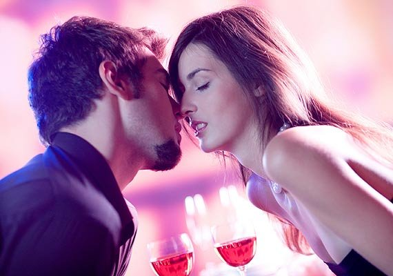 how women can get the first date right