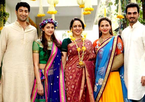 wedding special know how family members can look stylish on