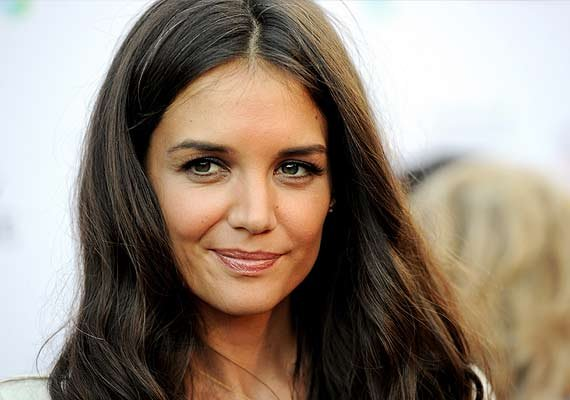 katie holmes doles out beauty tips for moms on move