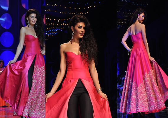 indian bridal fashion week jaqueline fernandez sets the
