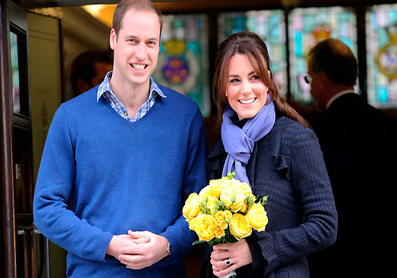 kate middleton goes into labour admitted to hospital