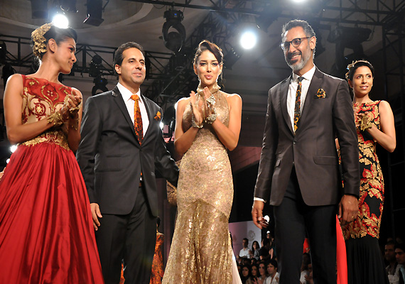shantanu nikhil s collection overshadows jj valaya s star