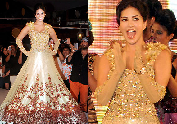 Sunny Leone Turns Golden Beauty For Designer Rohit Verma See Pics Lifestyle News India Tv
