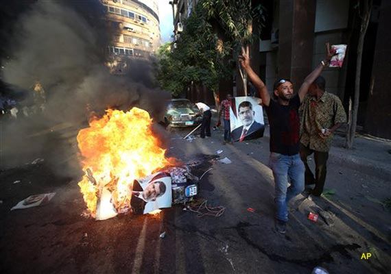 at least 120 killed 4 500 injured as egyptian troops fire