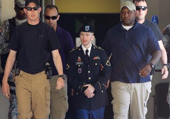 bradley manning guilty of espionage in wikileaks case