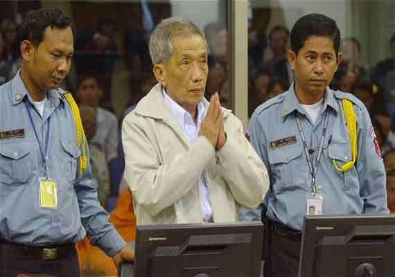 cambodia s khmer rouge leaders sentenced to life