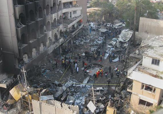 death toll rises to 32 in iraq cafe suicide bombing