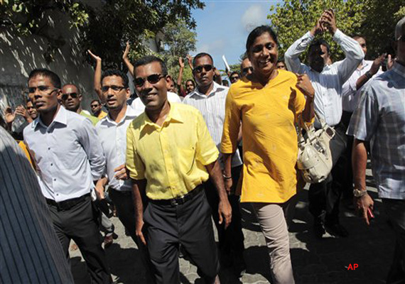 ex president of maldives other mps injured in clashes