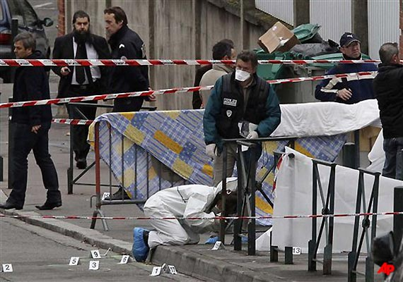 racist killer on the loose 4 slain at french jewish school