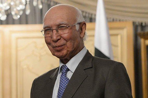 india does not want kashmir on talks agenda aziz