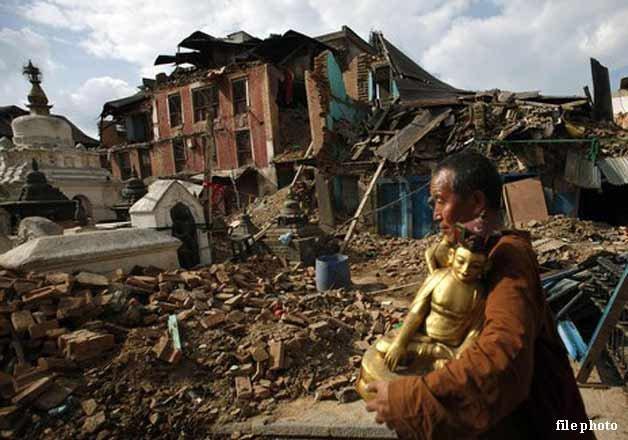 200 buddhist monks nuns killed in nepal quake