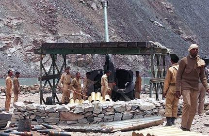 pak army quietly names 453 soldiers killed in kargil as