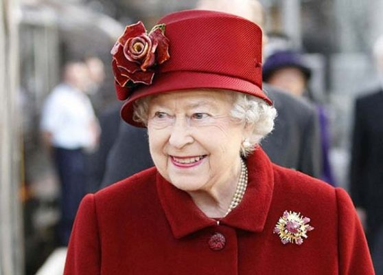 isis plans attack on queen s guards report