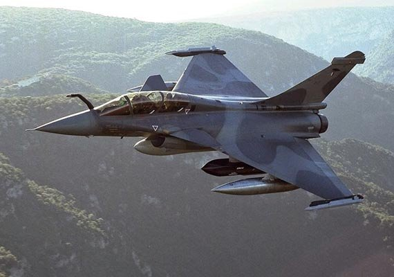 france conducts more air strikes against is