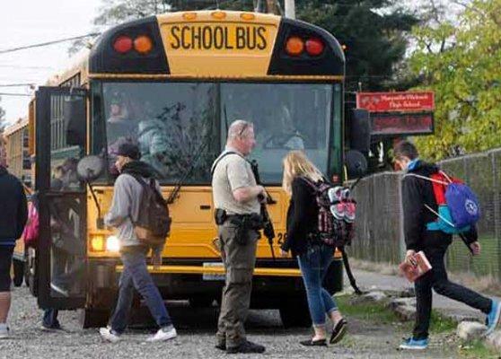 2 killed 4 injured in us school shooting