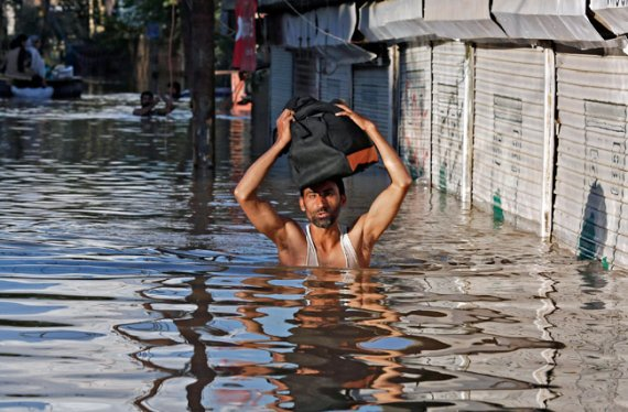 jammu floods indian school boy in kuwait collects rs 2 lakh