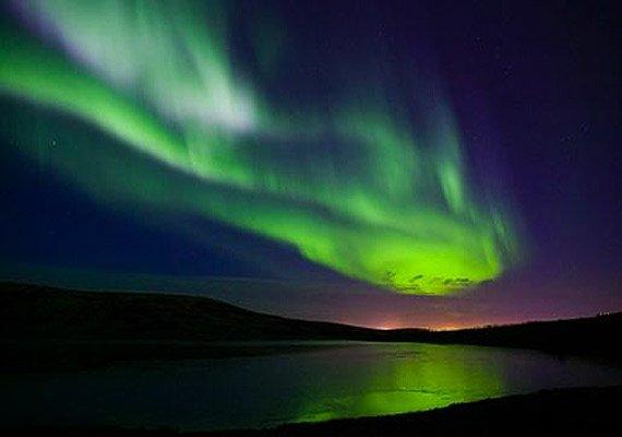 at a glance the spectacular aurora borealis and aurora