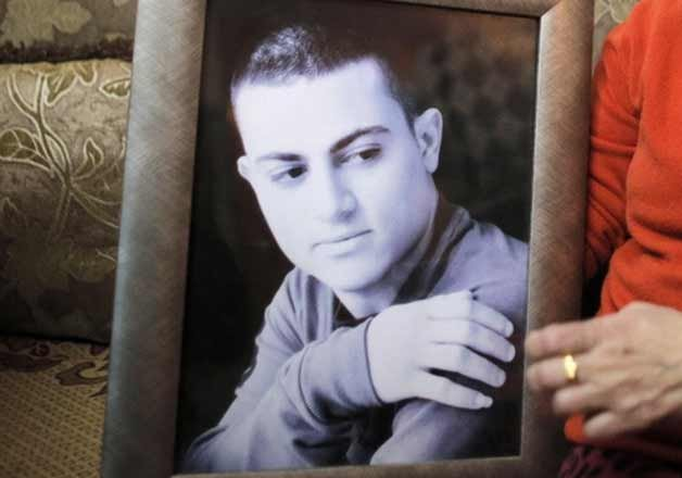 isis video purports to show killing of alleged israeli spy