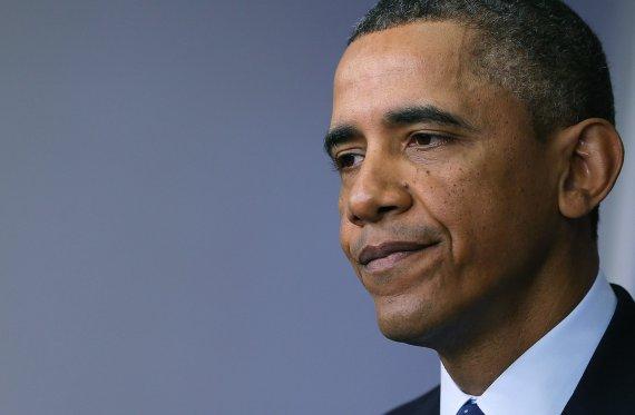 barak obama praises health workers fighting ebola as heroes