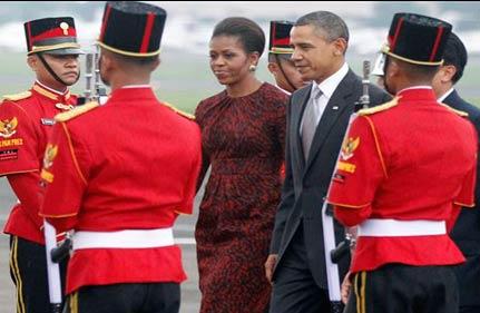 president obama lands in indonesia