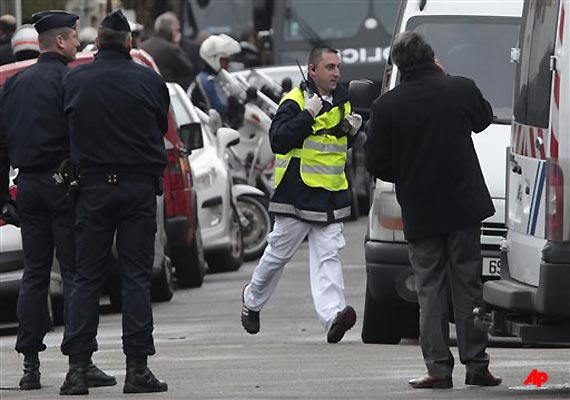 islamic gunman killed after 32 hour french standoff