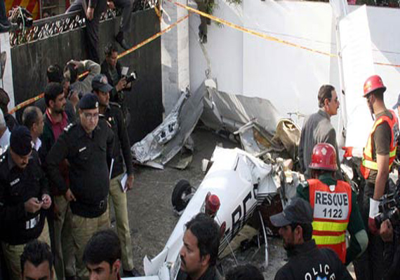 light plane crashes into a lawn in lahore two killed