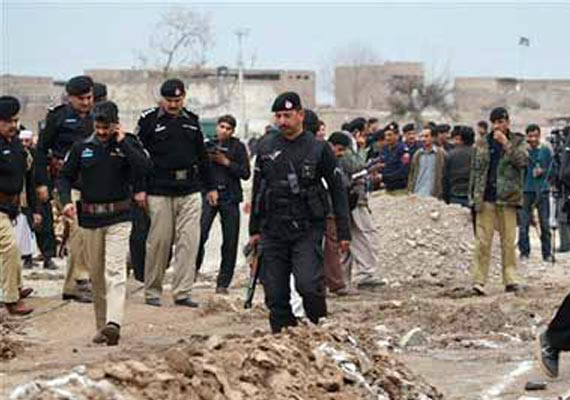 over 50 killed in clashes between pak soldiers and militants