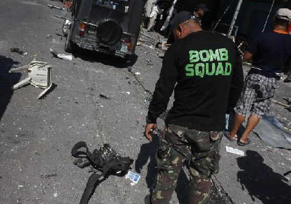 philippines bomb expert killed in explosion