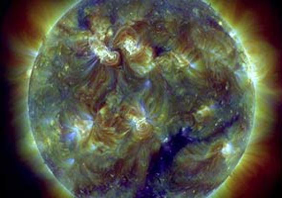 solar storm gathers strength biggest since 2004