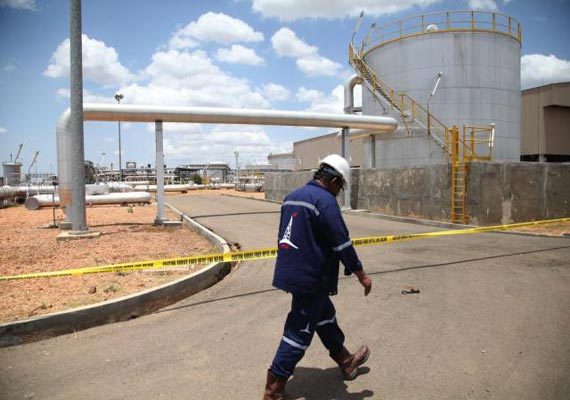 south sudan to shut down oil industry next week