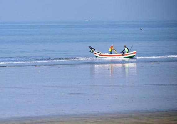 sri lanka arrests 65 indian fishermen