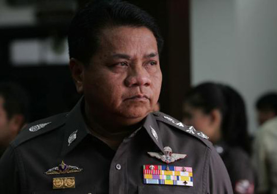 thai officials say blasts linked to global political