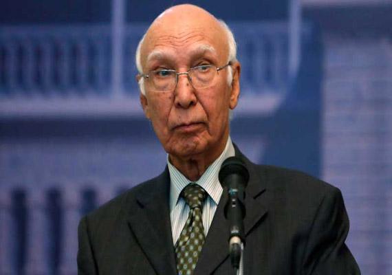 us not to target taliban holding talks sartaj aziz