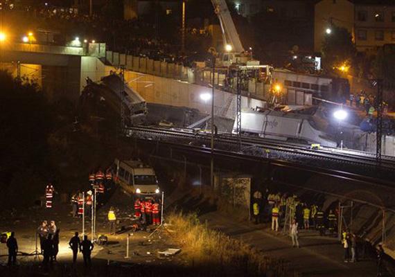 watch spain derailment rescue operations in pics