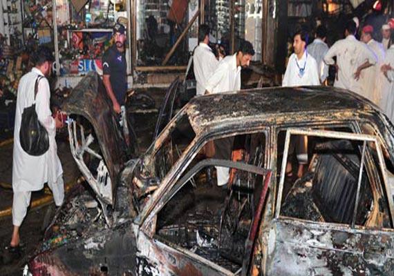 5 killed in peshawar bomb blast