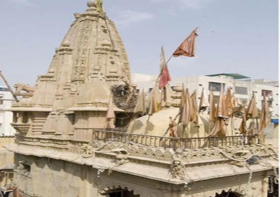 1 500 yr old panchmukhi hanuman temple in karachi being