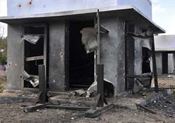 3 killed in explosion at fireworks unit