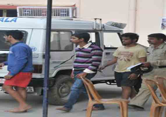 Bangalore cops watch as sons of policemen slap girls after road rage