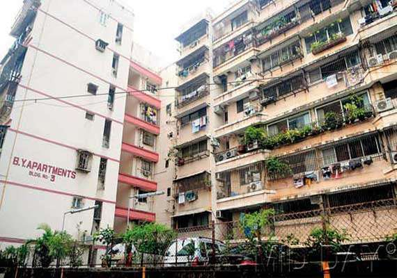 deadline to vacate flats ends campa cola residents refuse